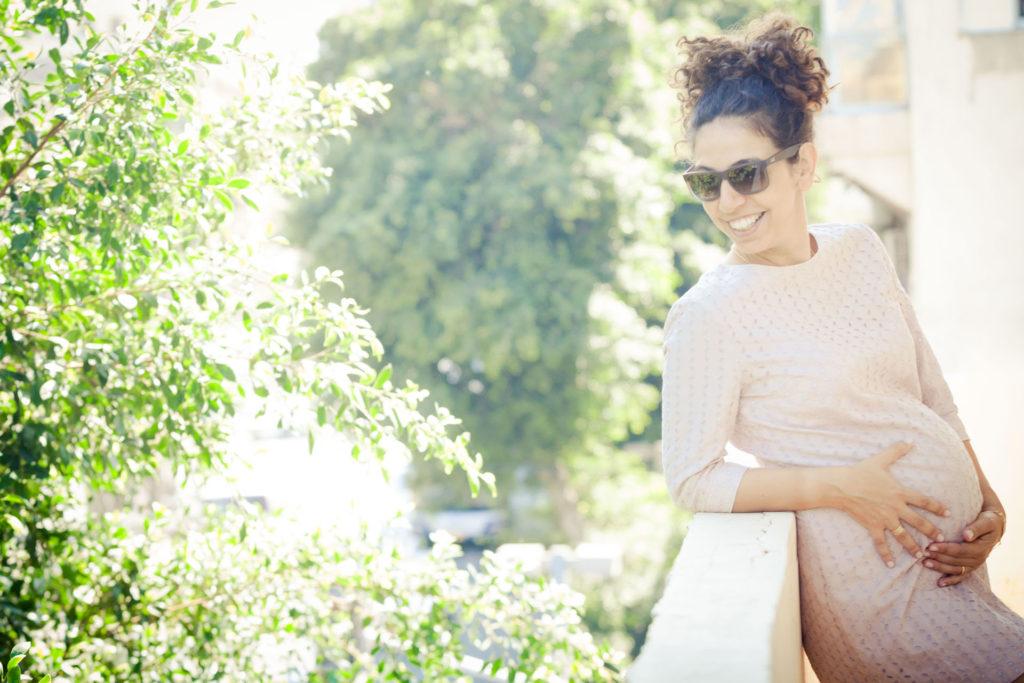 צילום הריון בחוץ