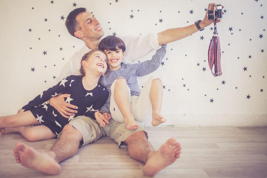 צילומי משפחה בסטודיו עדיגיטל