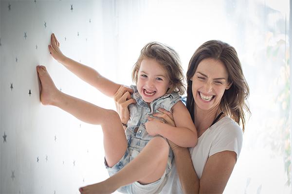 יעל גולדמן עם הבת שלה